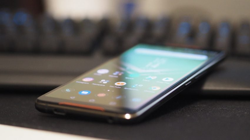 Tabletowo.pl Recenzja ASUSa ROG Phone - prawdziwa bestia nie tylko dla graczy Akcesoria Android Asus Gaming Recenzje Smartfony