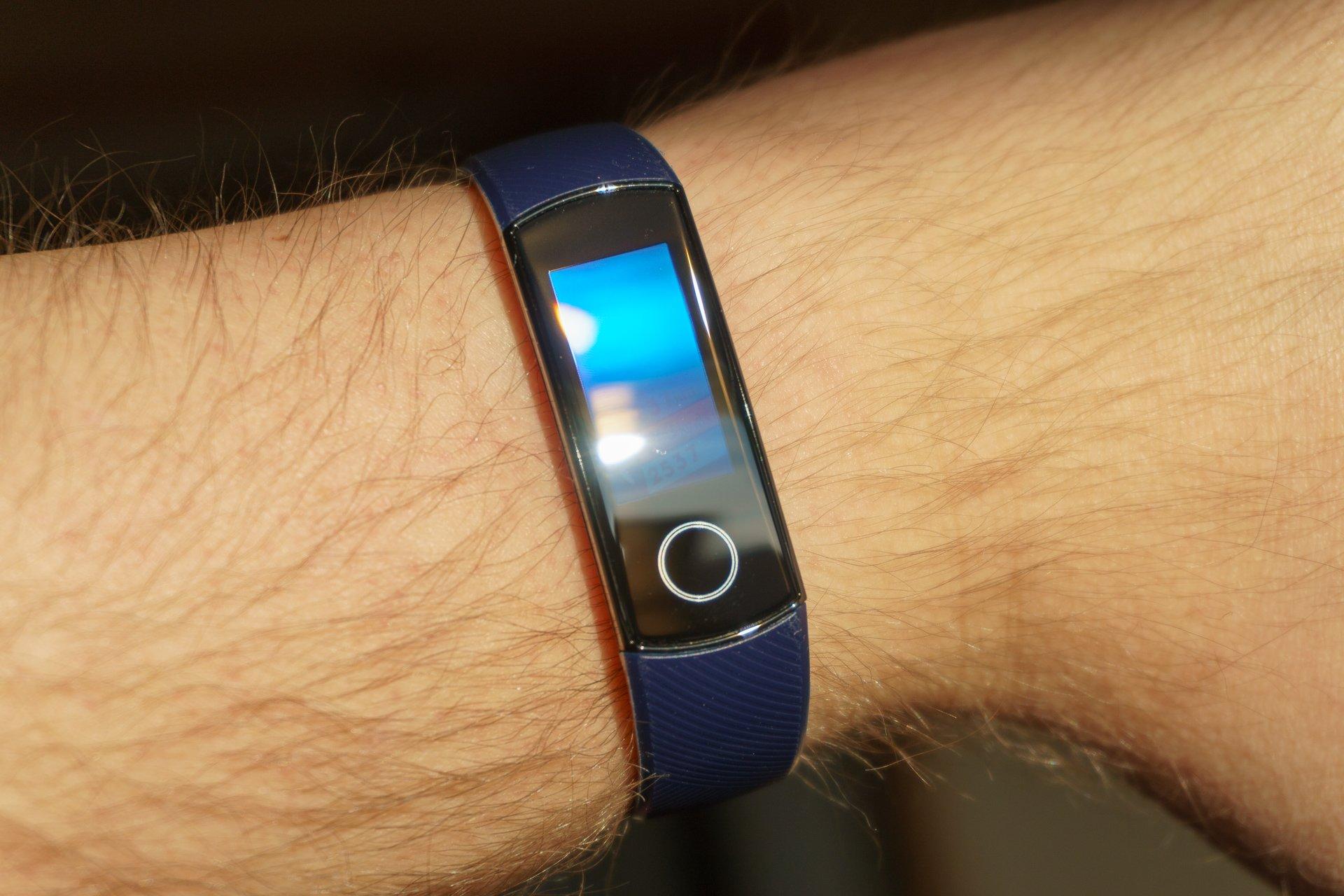 Tabletowo.pl Honor Band 4 - jedna z ciekawszych opasek do 200 złotych (recenzja) Huawei Recenzje Wearable