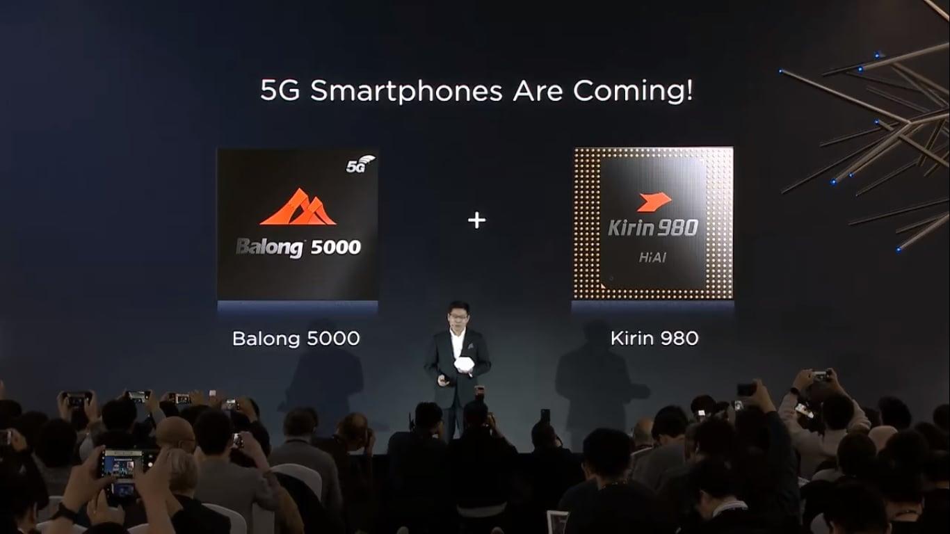 Za miesiąc Huawei zaprezentuje składany smartfon z własnym modemem 5G. To chyba będzie baaardzo drogi sprzęt... 19