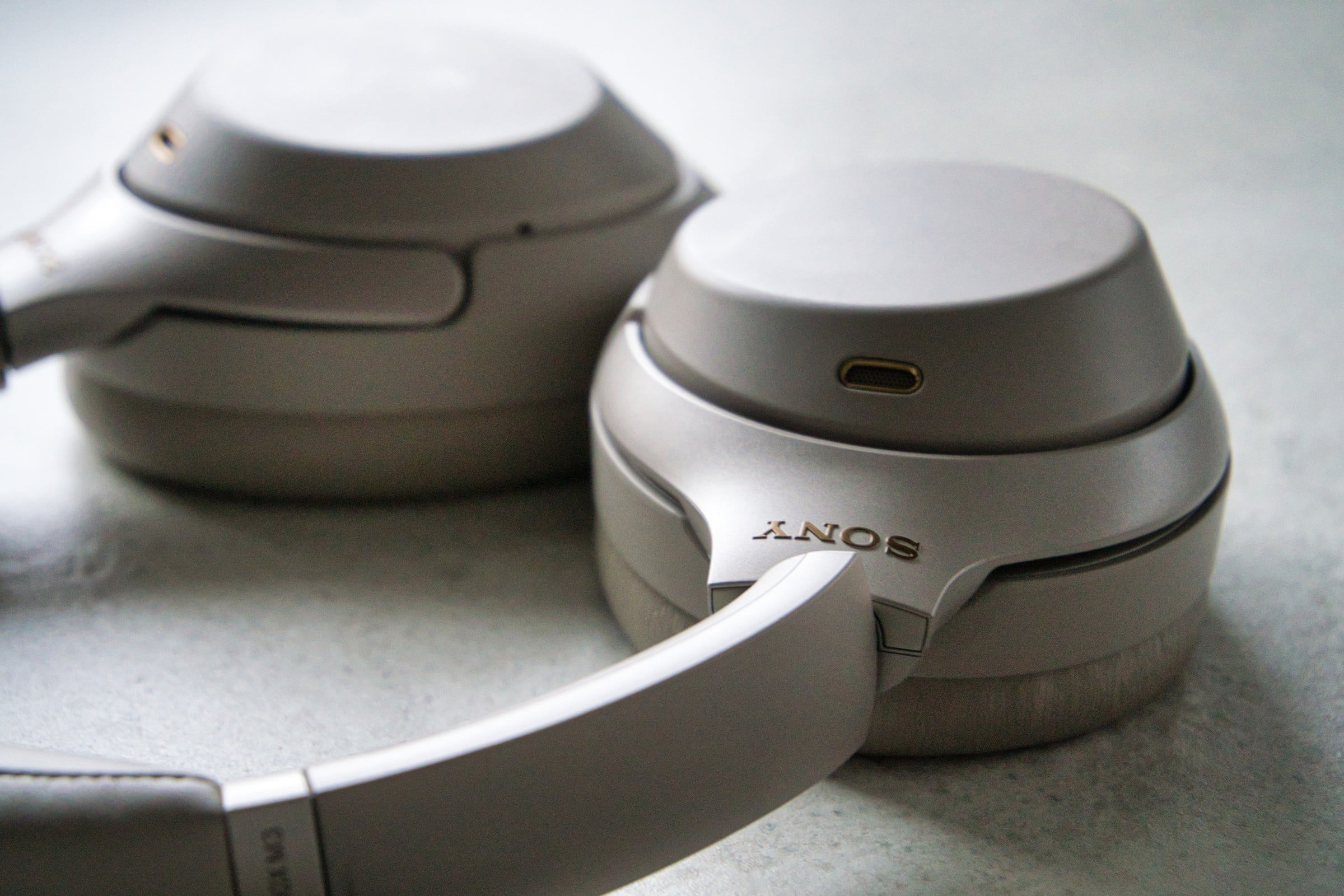 Sony nie pilnuje materiałów promocyjnych. Reklama nowych słuchawek WH-1000XM4 już w sieci 16