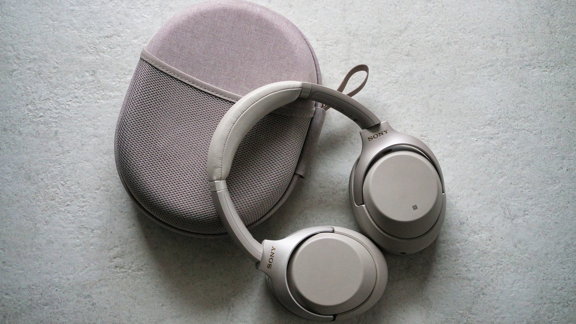 Bezprzewodowe słuchawki Sony WH-1000XM3 w świetnej cenie - brać! 20