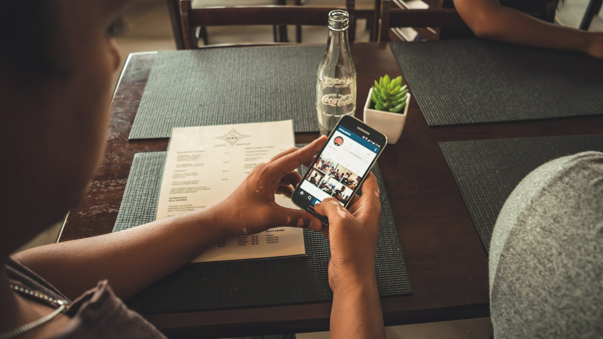 Tabletowo.pl Koniec z przyciskiem wstecz - Android Q zastąpi go gestem Android Google Smartfony