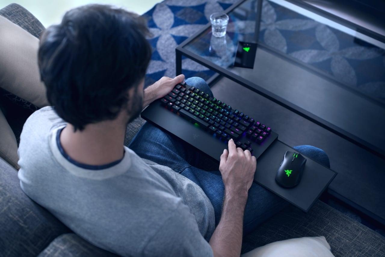 Tabletowo.pl Debiutuje duet klawiatury i myszy Razer Turret na Xboksa One. Wsparcie otrzymają m.in. PUBG i The Sims 4? CES 2019 Gaming Microsoft
