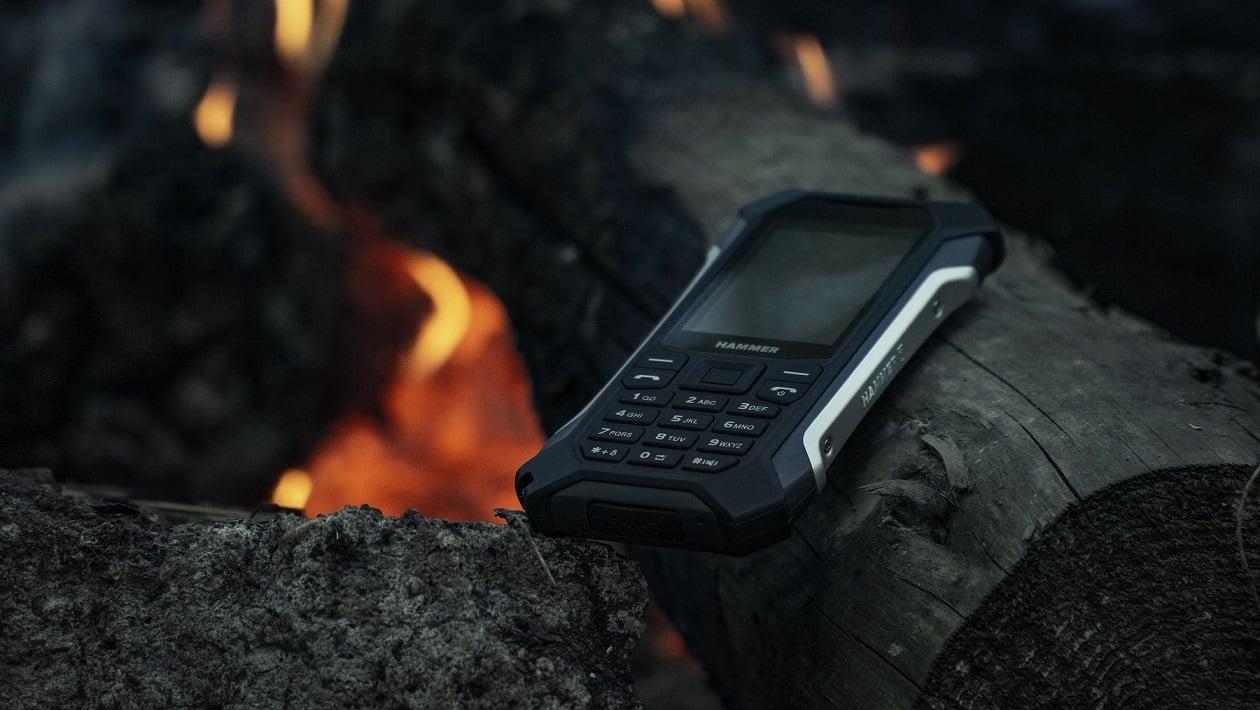HAMMER Patriot+ zadebiutował na polskim rynku. To klasyczny telefon w wyjątkowo mocnej obudowie 20