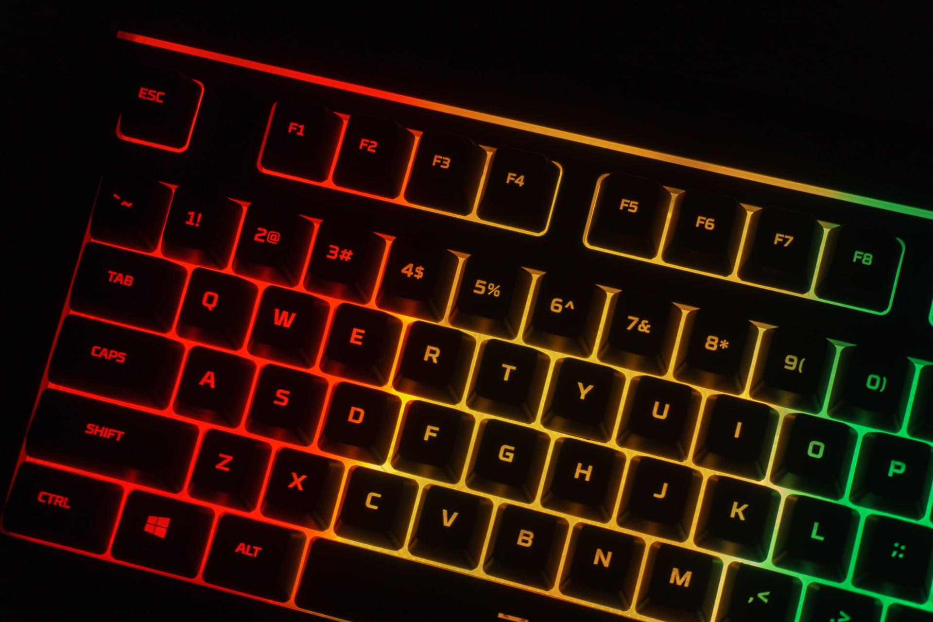 Tabletowo.pl HyperX Alloy Core RGB i Pulsefire Core - sprawdzamy tani zestaw dla graczy, który pozytywnie zaskakuje Akcesoria Gaming Recenzje