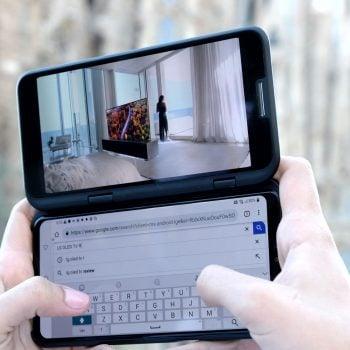 LG V50 ThinQ 5G ma nie tylko modem 5G, ale również doczepiany ekran