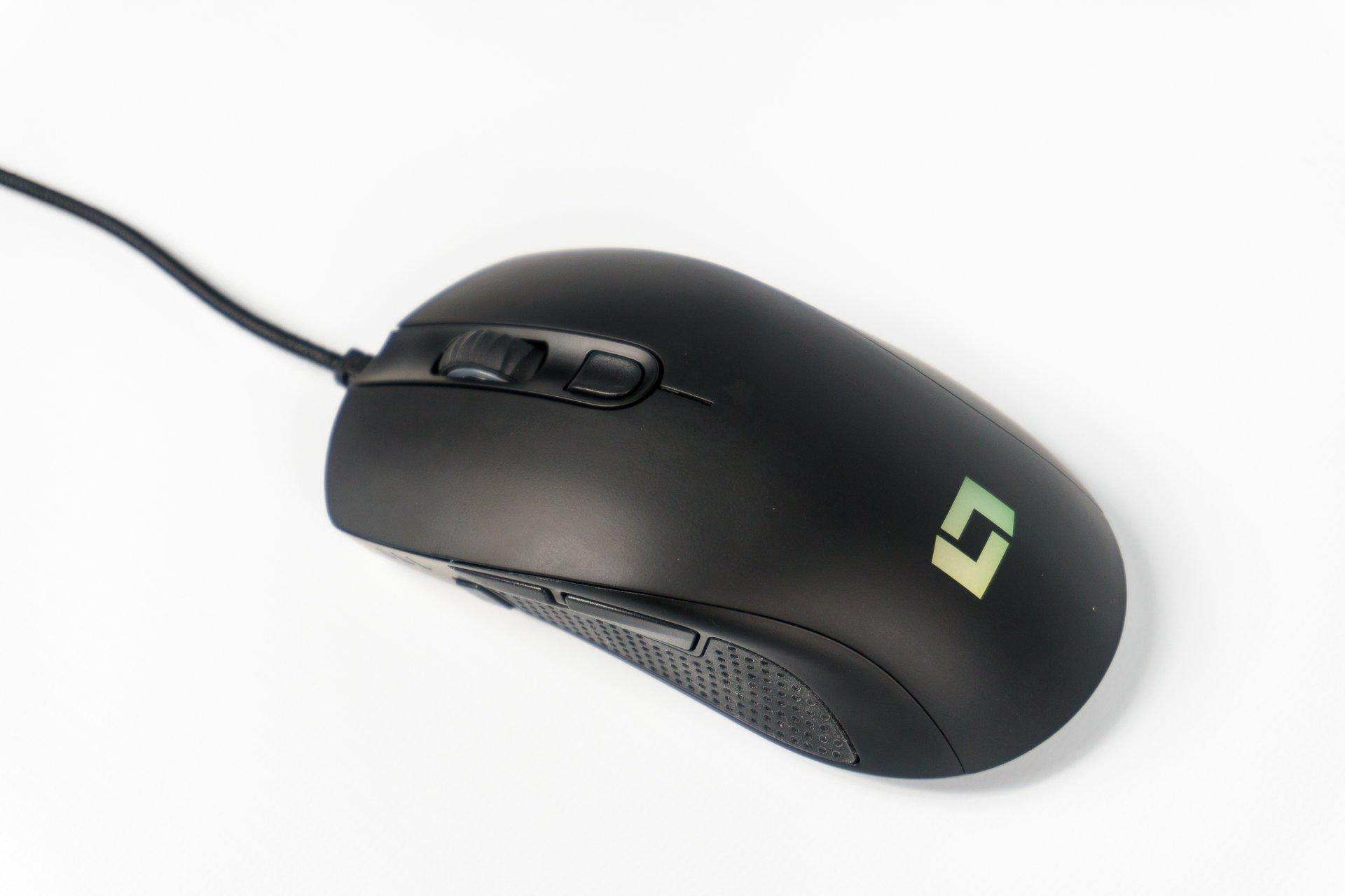 Mysz gamingowa Lioncast LM60 – dobra jakość i zbyt wysoka cena (recenzja)