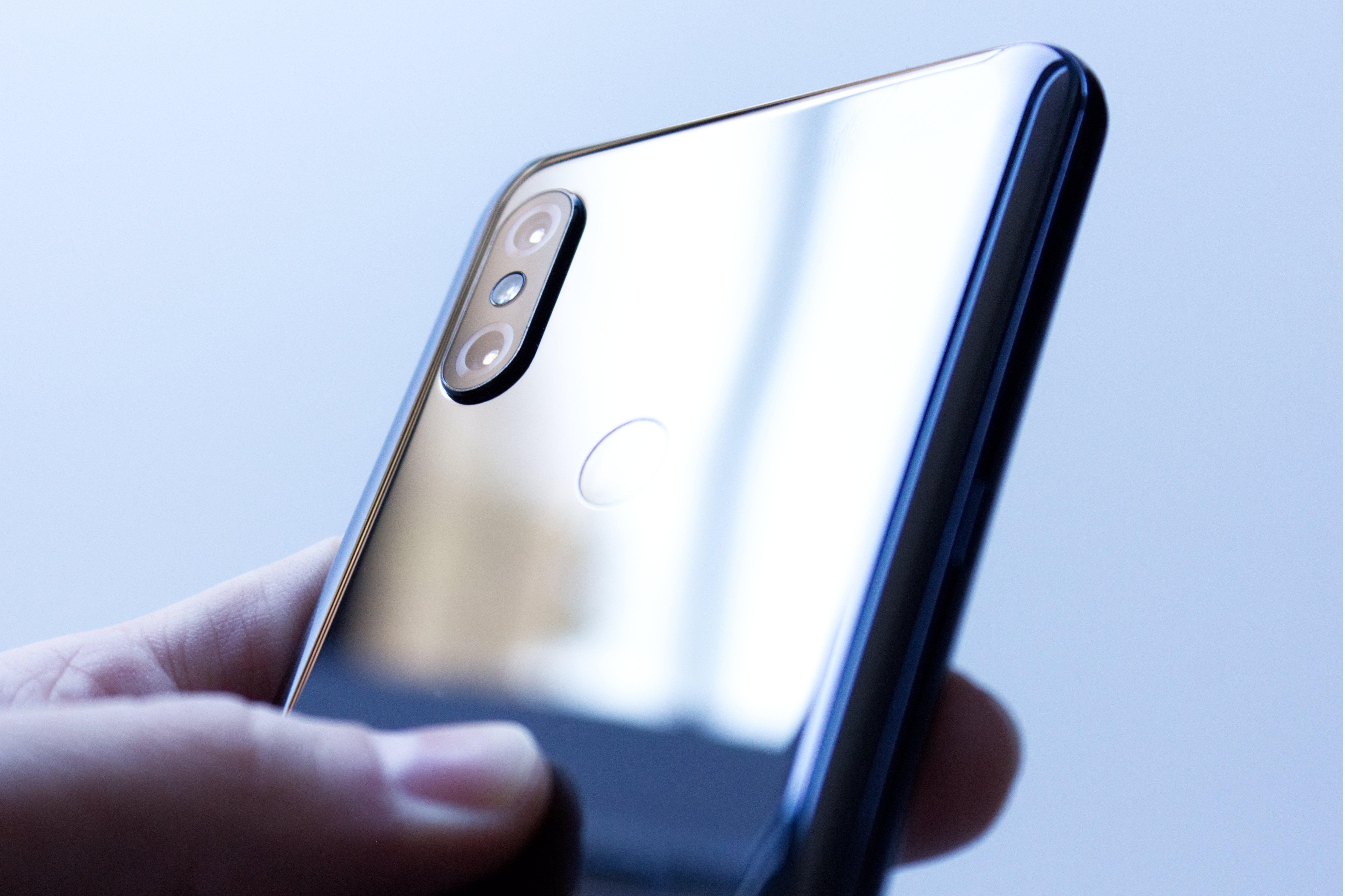 """Xiaomi Mi Mix 4 """"powinien"""" mieć teleobiektyw z super zoomem, jak Huawei P30 Pro"""
