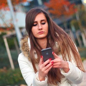Polacy mają coraz większy problem z regulowaniem rachunków za telefon na czas 20