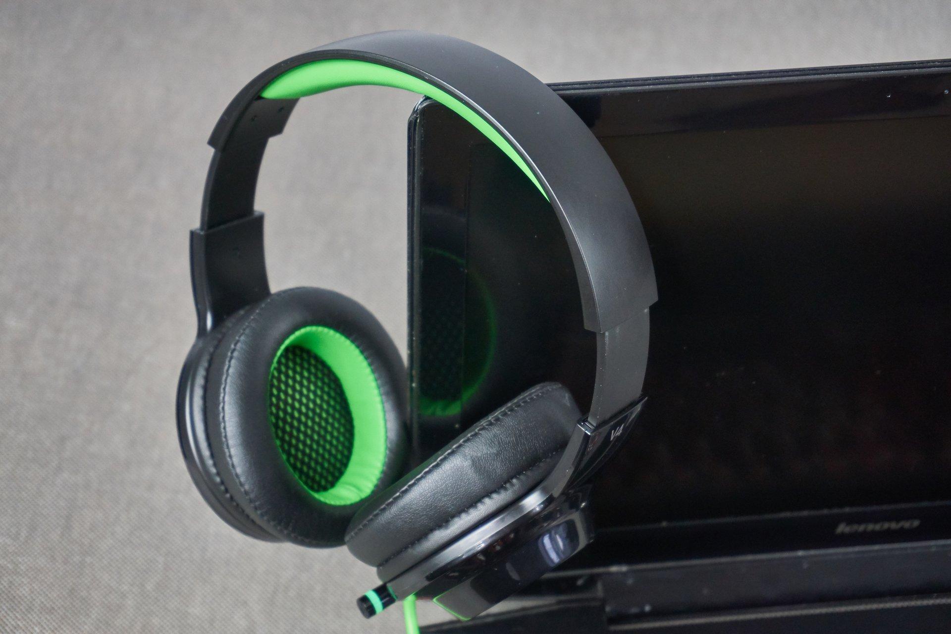 Recenzja słuchawek Edifier V4 - światła, wibracje i dźwięk