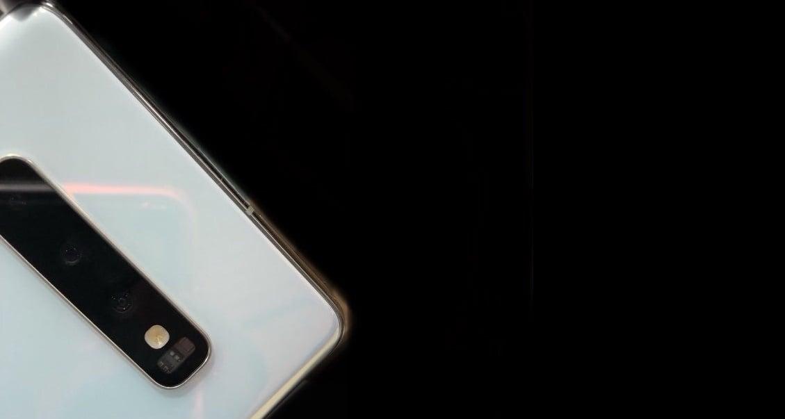 Pierwsze zdjęcie białego Samsunga Galaxy S10 oraz wyniki benchmarków Exynosa 9820 - procesora, który się w nim znajdzie 18
