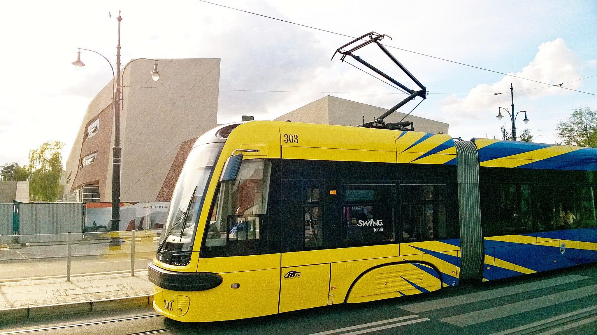 Toruń kolejnym miastem, gdzie karta płatnicza zastąpi bilet komunikacji miejskiej. Testy ruszają w marcu