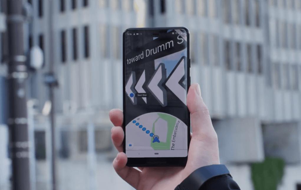 Tabletowo.pl Mapy Google: rozpoczynają się testy rozszerzonej rzeczywistości w nawigacji pieszej Aplikacje Google Rozszerzona rzeczywistość
