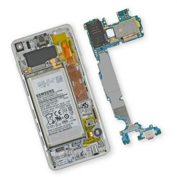 Według iFixit, Galaxy S10e i Galaxy S10 są trudniejsze w naprawie niż Galaxy S9/S9+ i Galaxy S8/S8+
