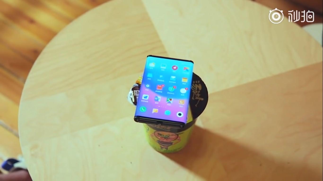 Składany smartfon od Xiaomi coraz bliżej - producent publikuje kolejne wideo 21