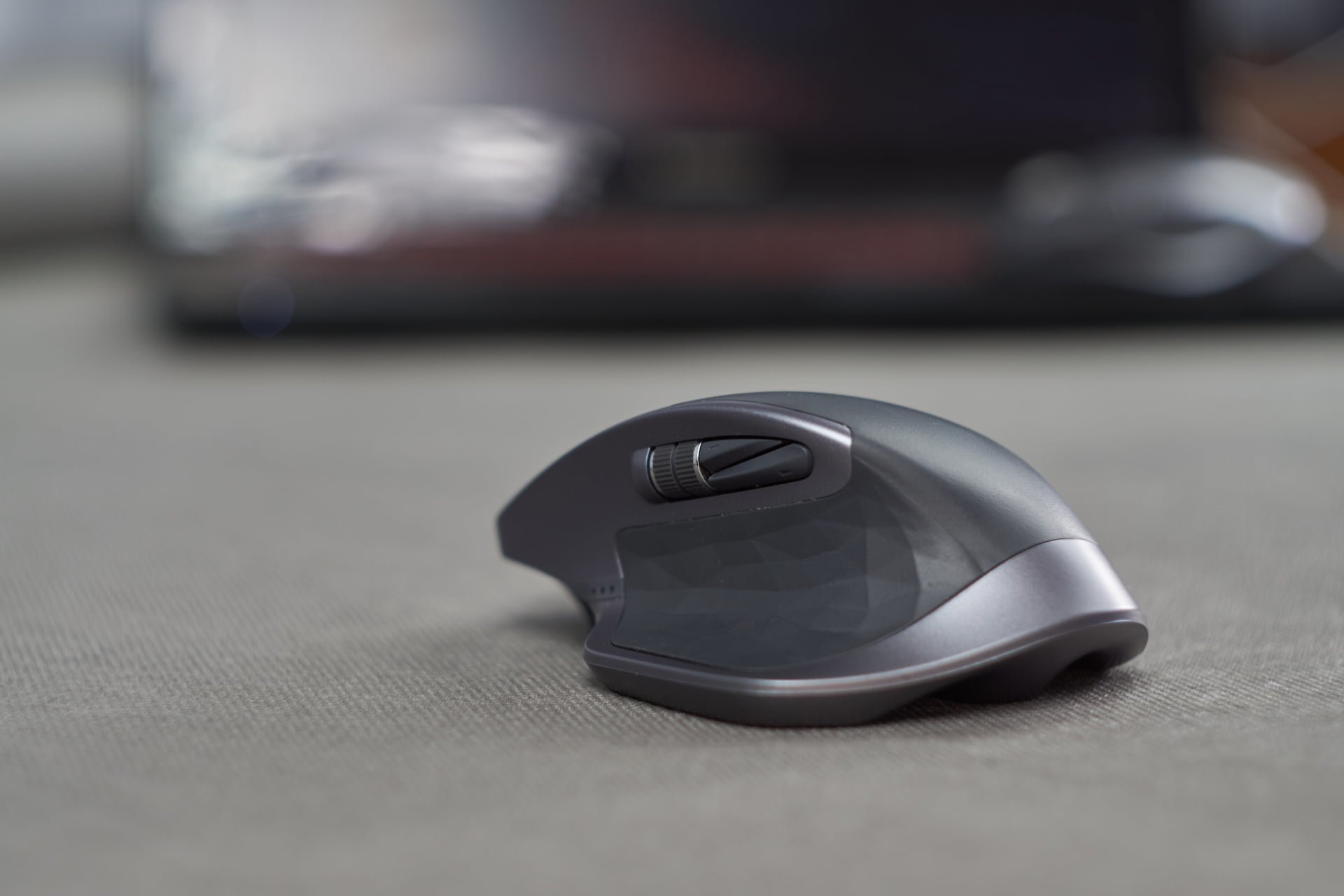 Logitech MX Master 2s - recenzja biurowego gryzonia idealnego 19