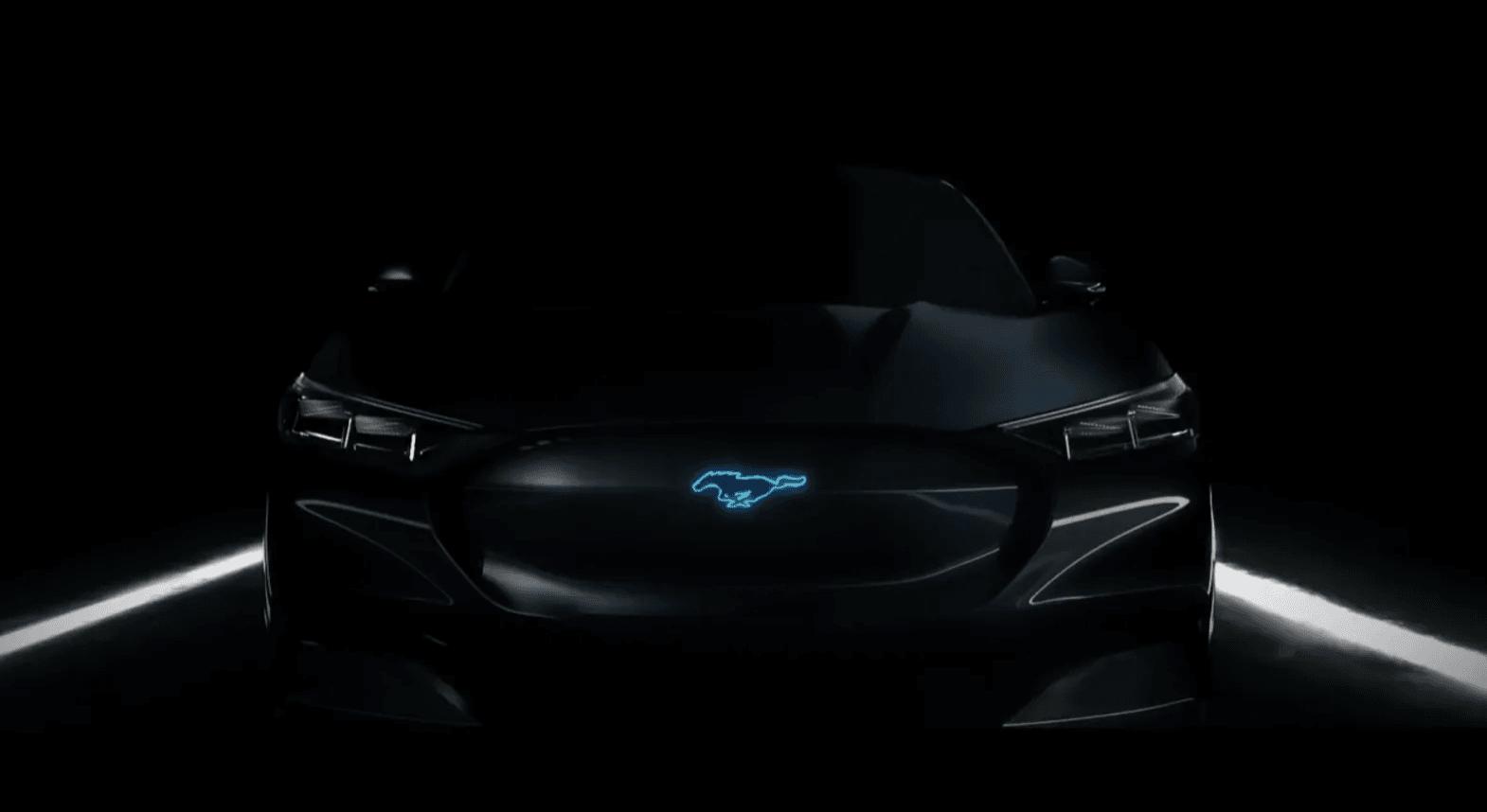 Elektryczny SUV inspirowany Fordem Mustangiem zapewni 600 km zasięgu 17