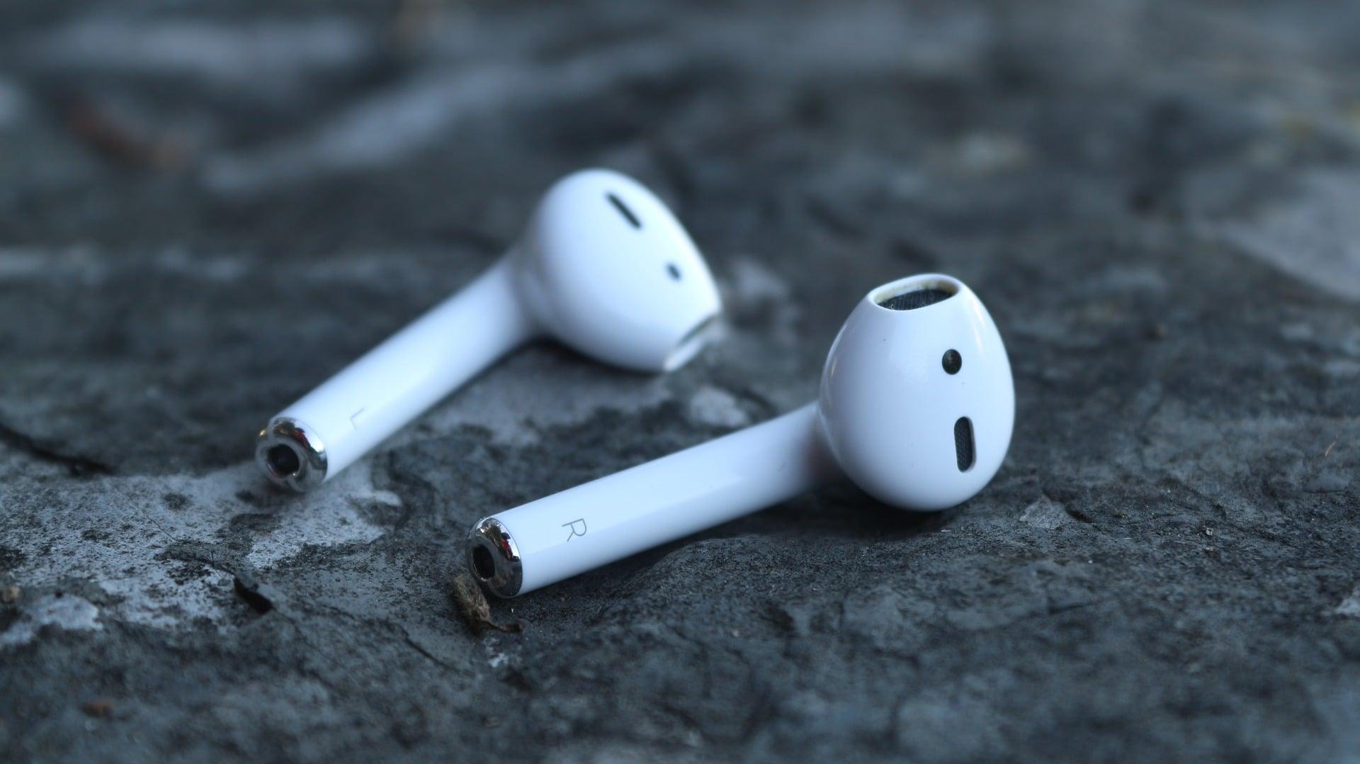 W cieniu jabłoni: rynek słuchawek bezprzewodowych w 2020 roku 18