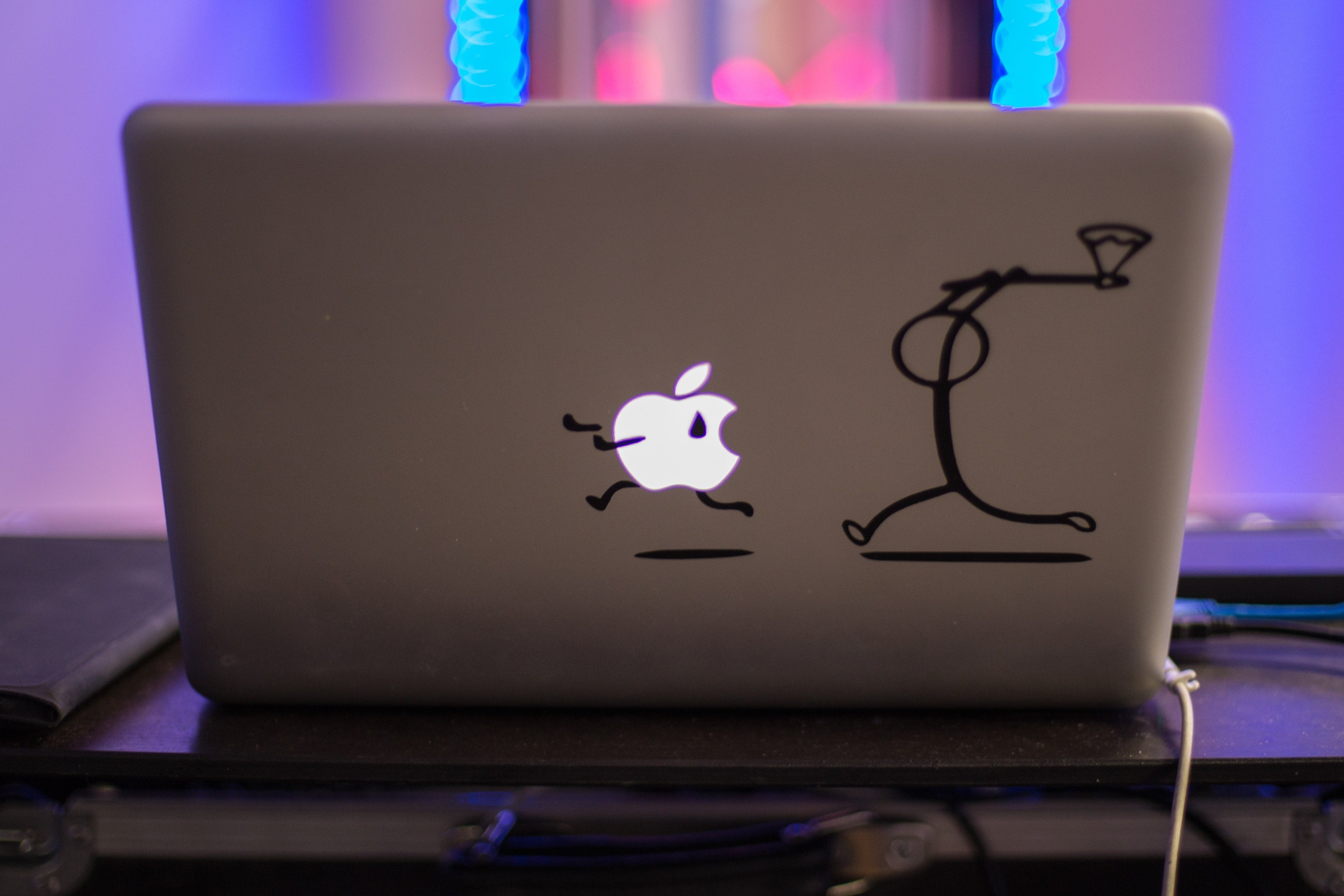Apple sięgnie po mechanizm nożycowy, aby zażegnać problem z klawiaturami w MacBookach 17