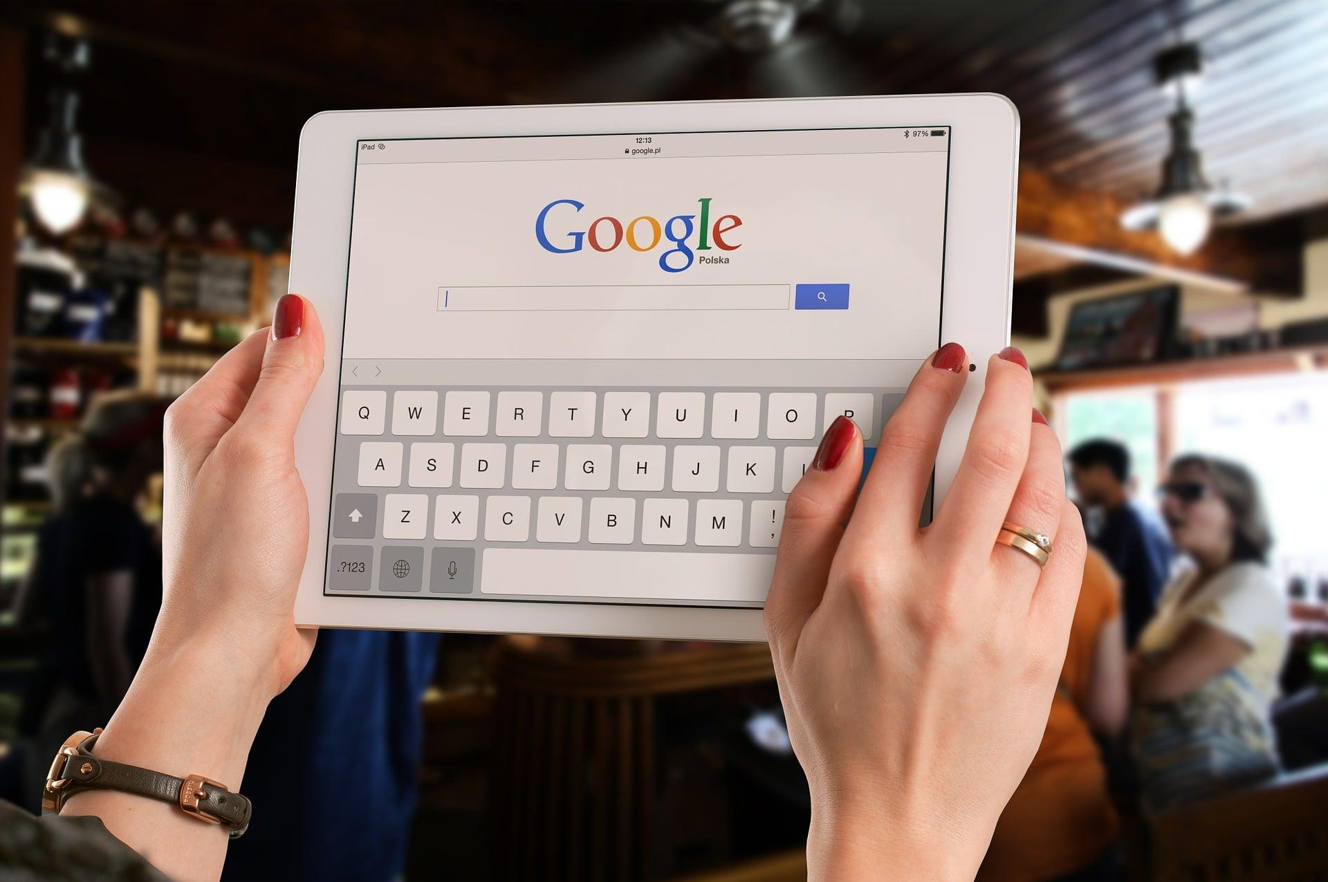 """Google z nowym sposobem filtrowania wyników. Wystarczy użyć """"before"""" lub """"after"""""""