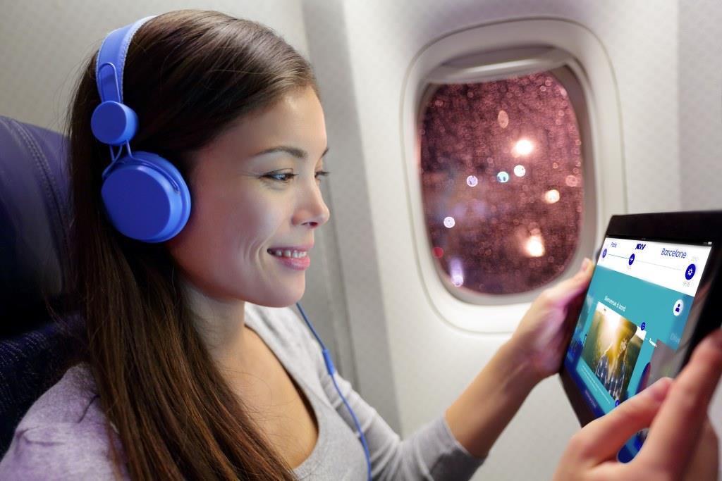 Podczas lotów liniami KLM będziemy mogli obejrzeć film lub serial na własnym laptopie lub smartfonie 21