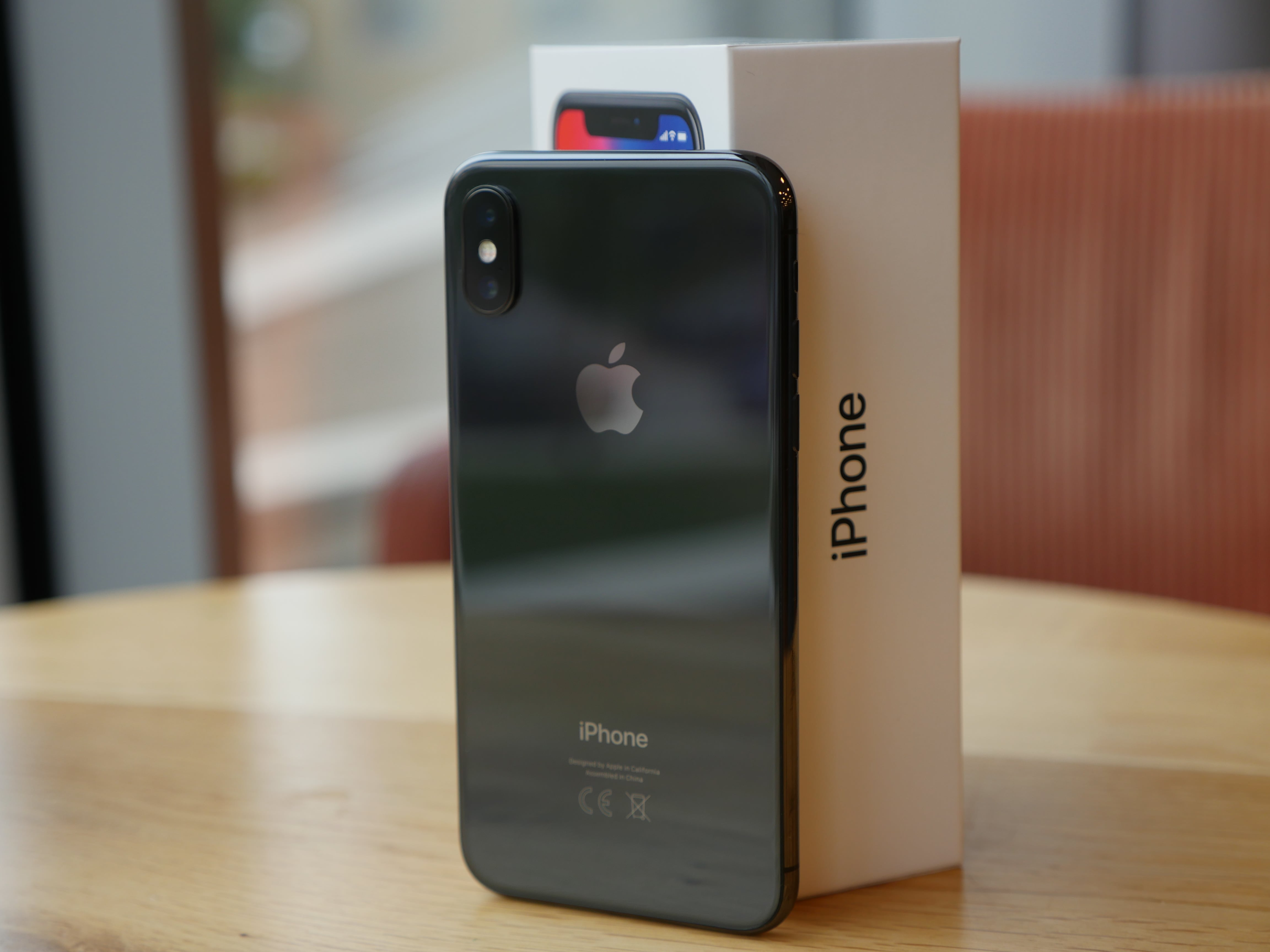 W Play będzie można kupić m.in. odnowiony iPhone X