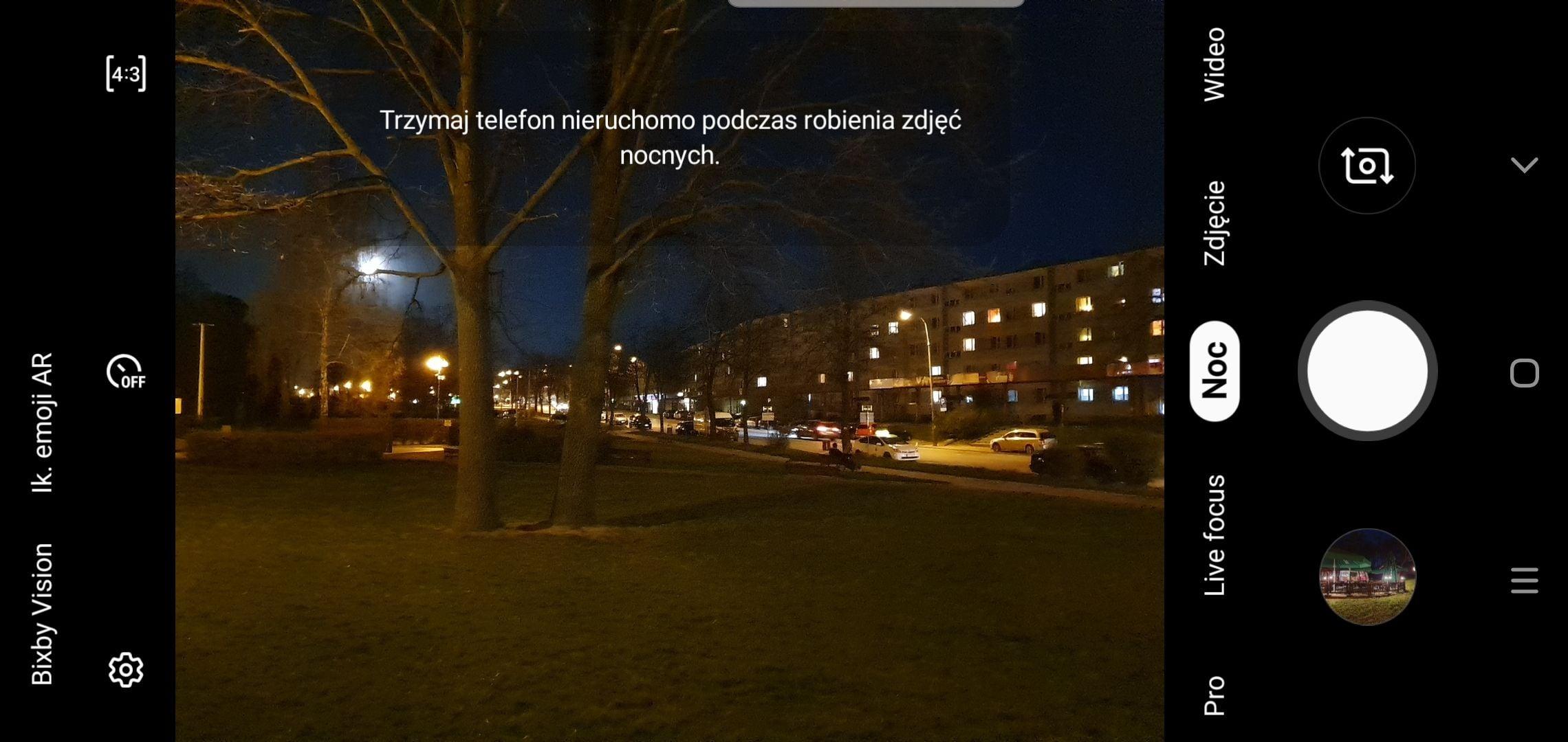 tryb nocny w Samsungu Galaxy S10+
