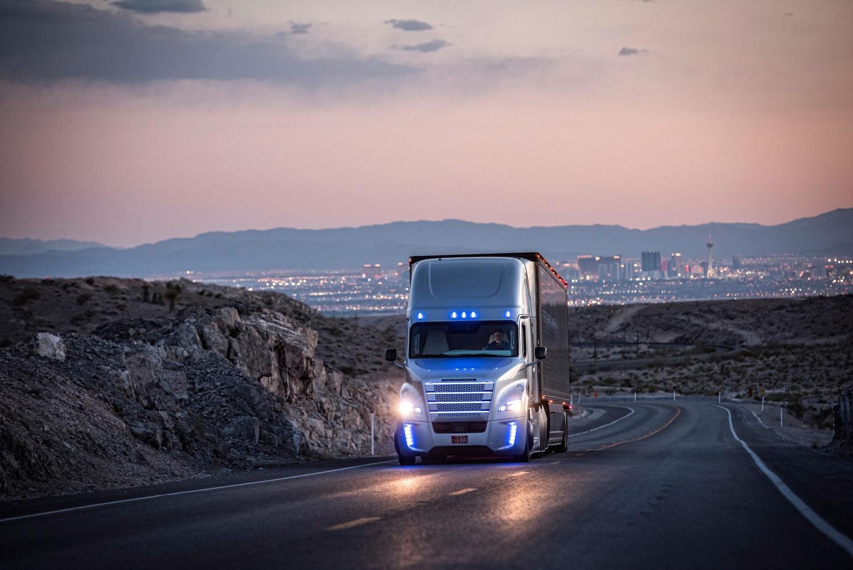 Daimler ma plan na autonomiczne ciężarówki już w następnej dekadzie