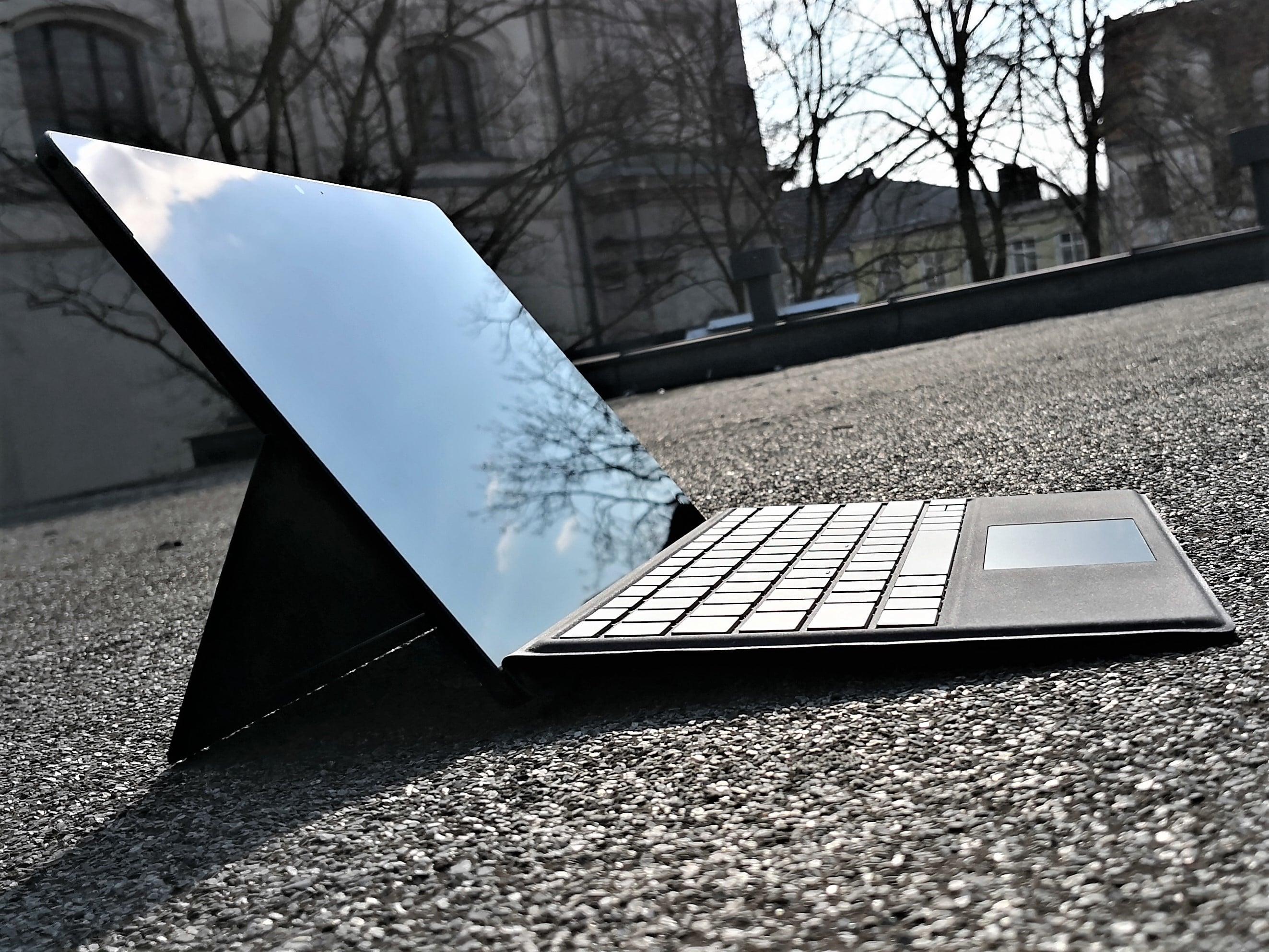 """Byłem heavy-userem Windows 7. Laptop z """"dziesiątką"""" udowodnił mi, że sporo mnie ominęło 18"""