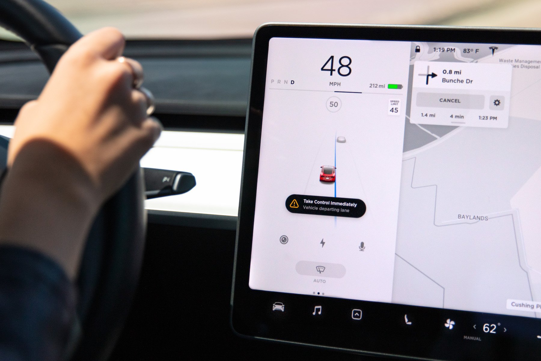 Elon Musk: Tesla może włączyć jazdę w pełni samodzielną do końca roku 18