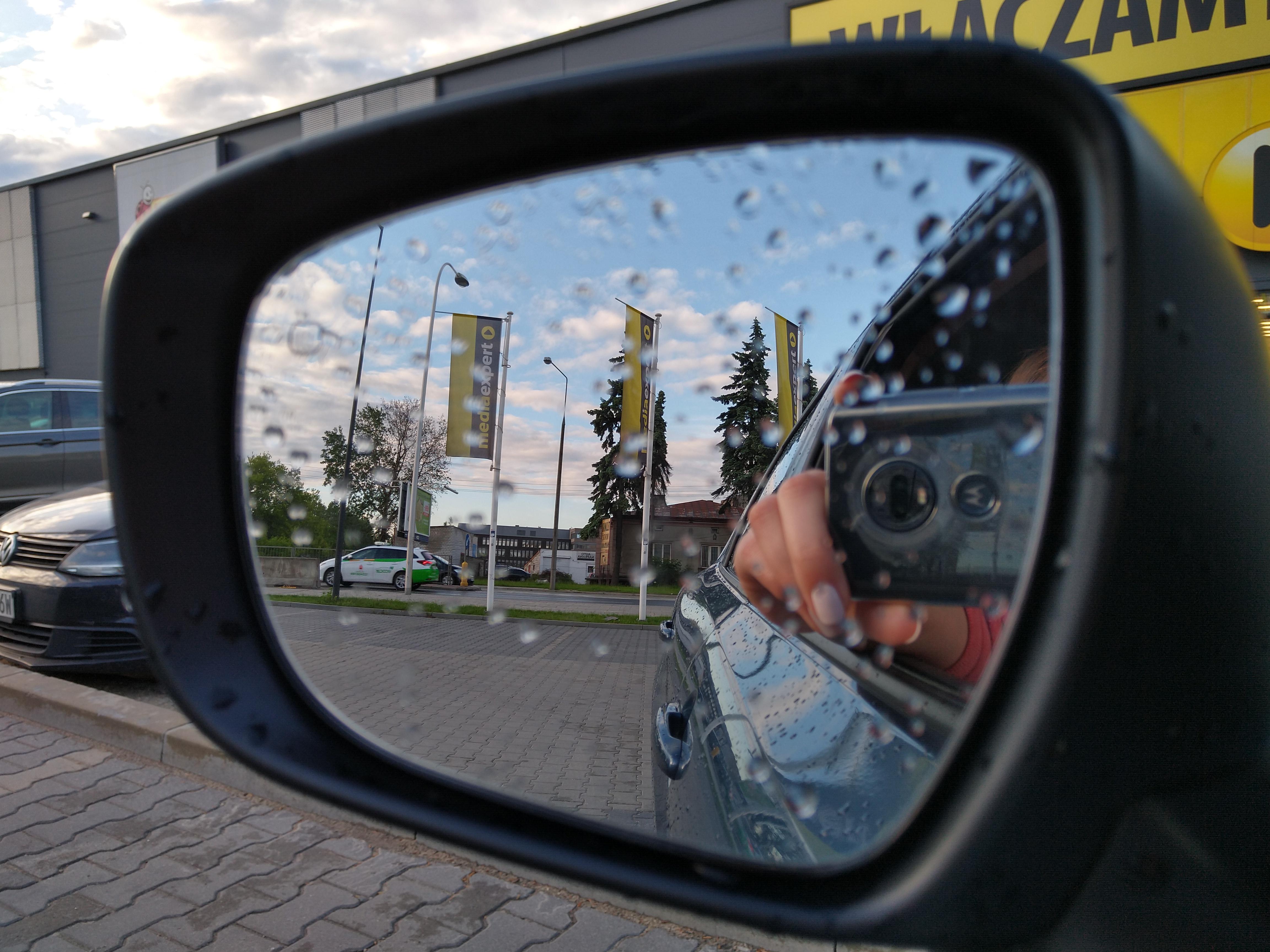 Porównanie ciekawych średniaków Motoroli: Moto G7 Plus vs One Vision 41