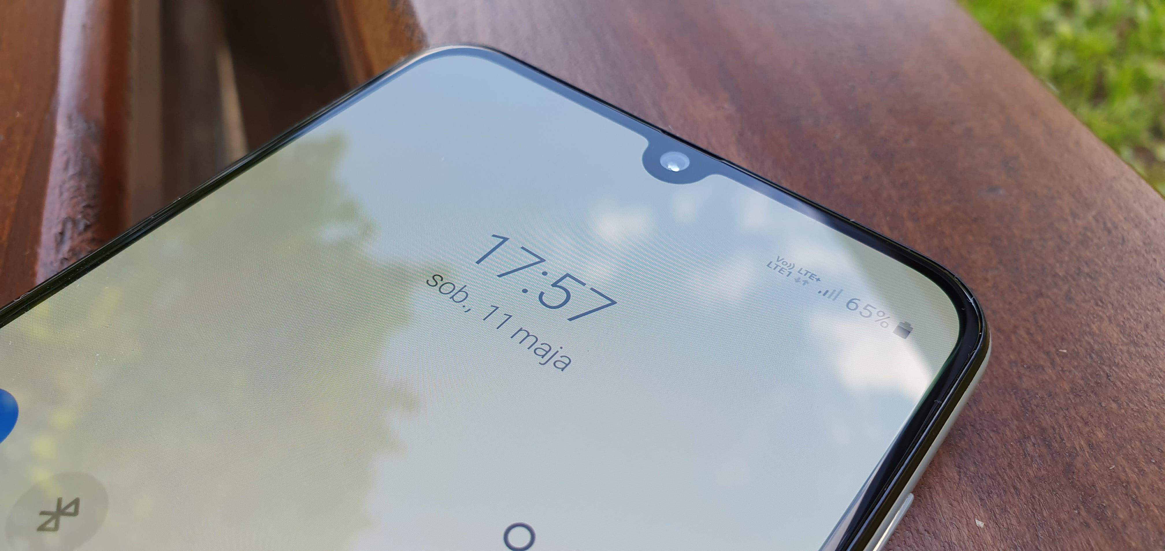 Samsung opatentował nowy rodzaj wycięcia w ekranie. O dziwo nawet mi się podoba 17