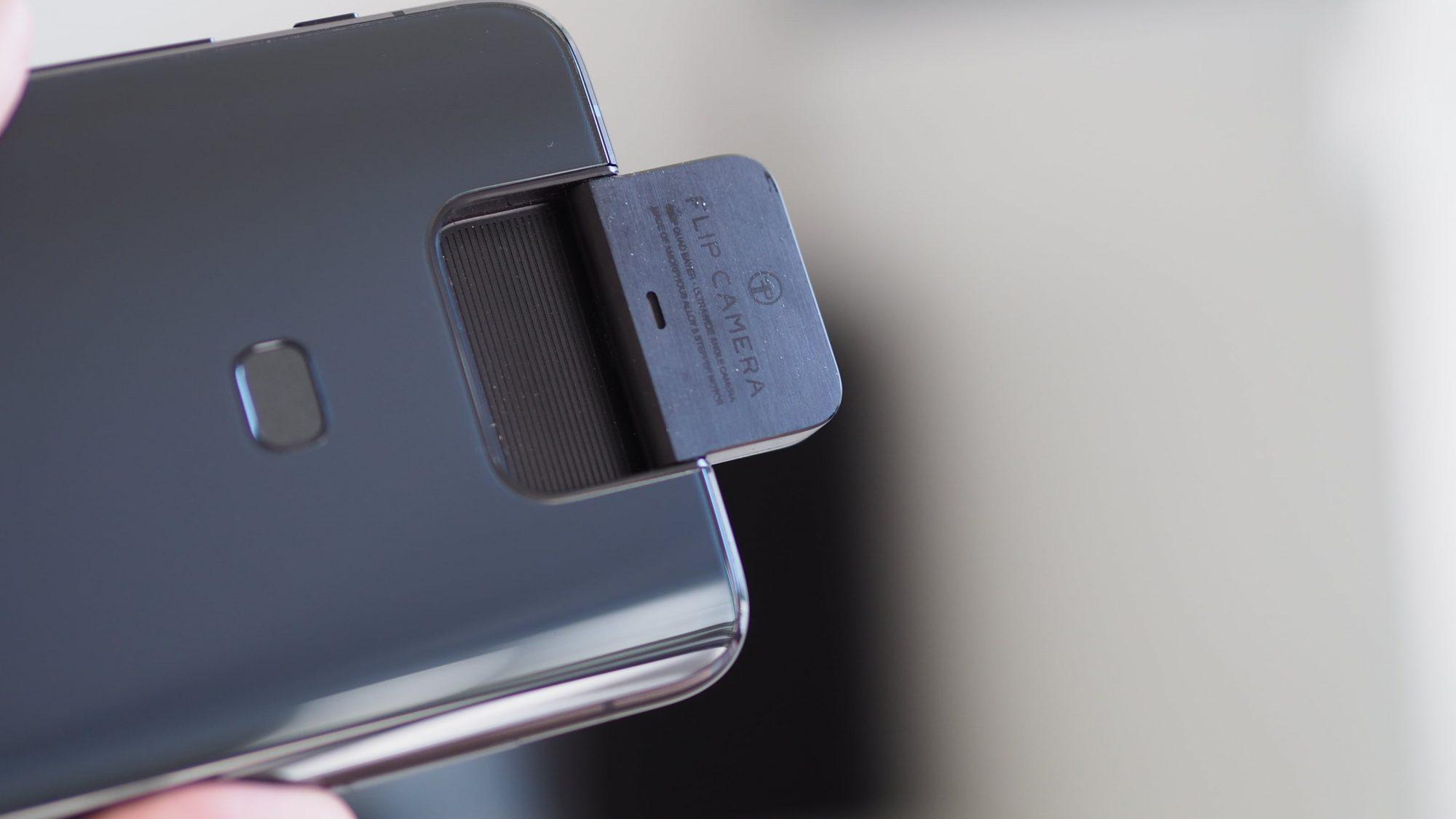 Aparat w modelu Asus ZenFone 7 ma się obracać o 180°, jak ten w Asusie ZenFone 6