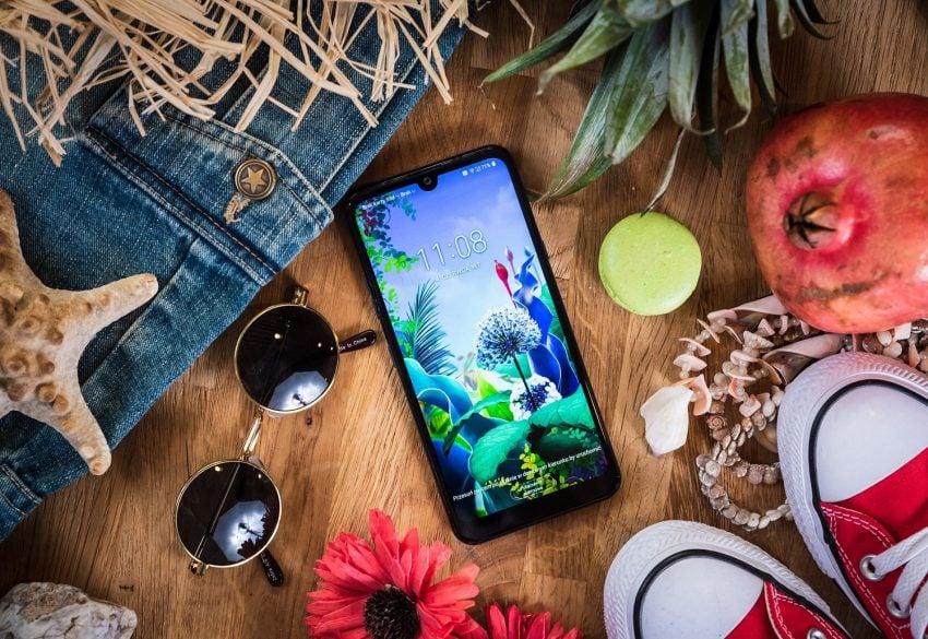 smartfon LG Q60