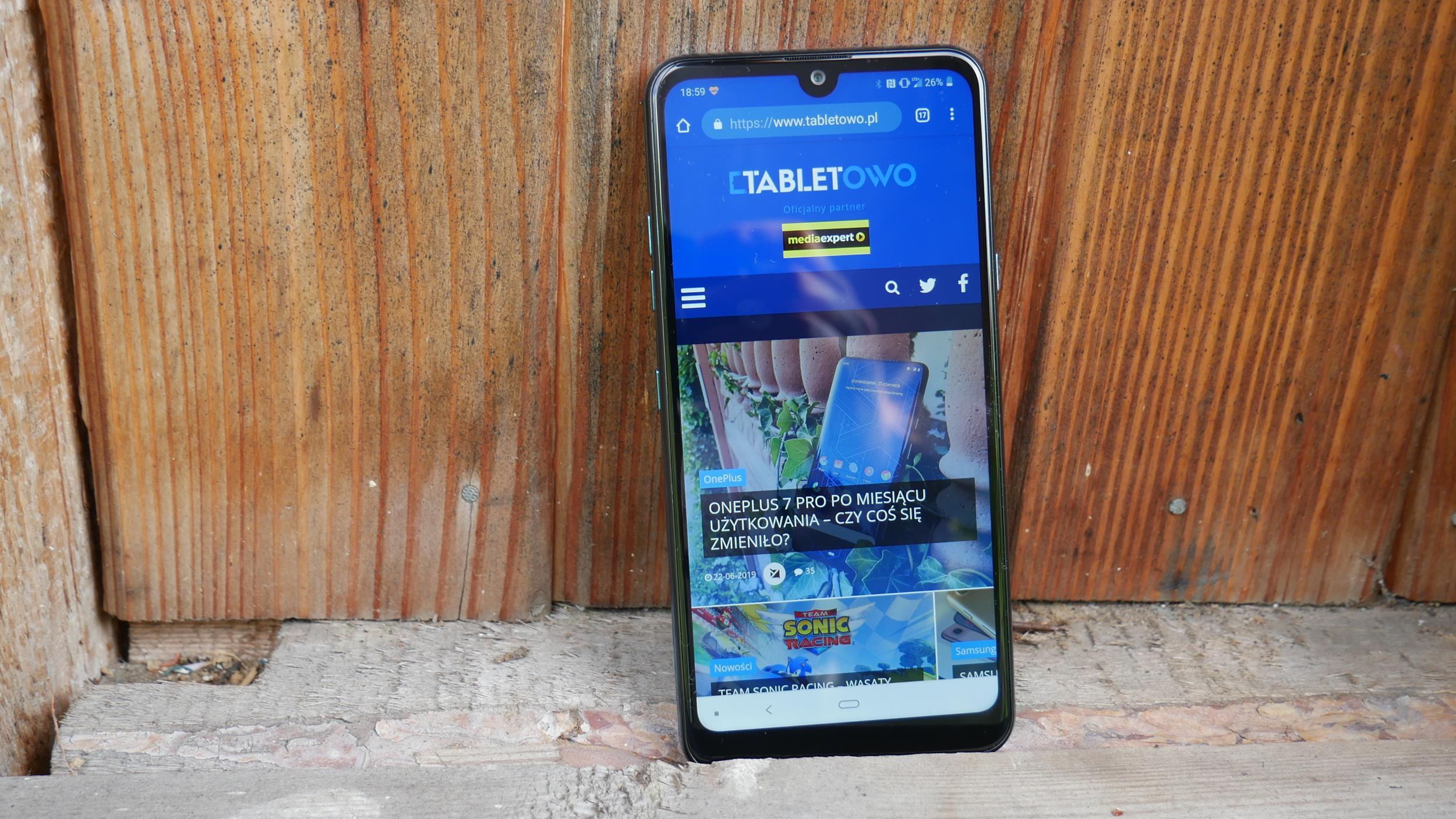 Recenzja LG Q60 - średniaka z niedoróbkami i zbyt wysoką ceną 27