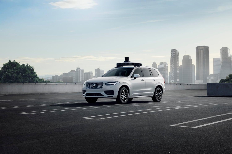Uber i Volvo wspólnie stworzyli nowe autonomiczne XC90 23