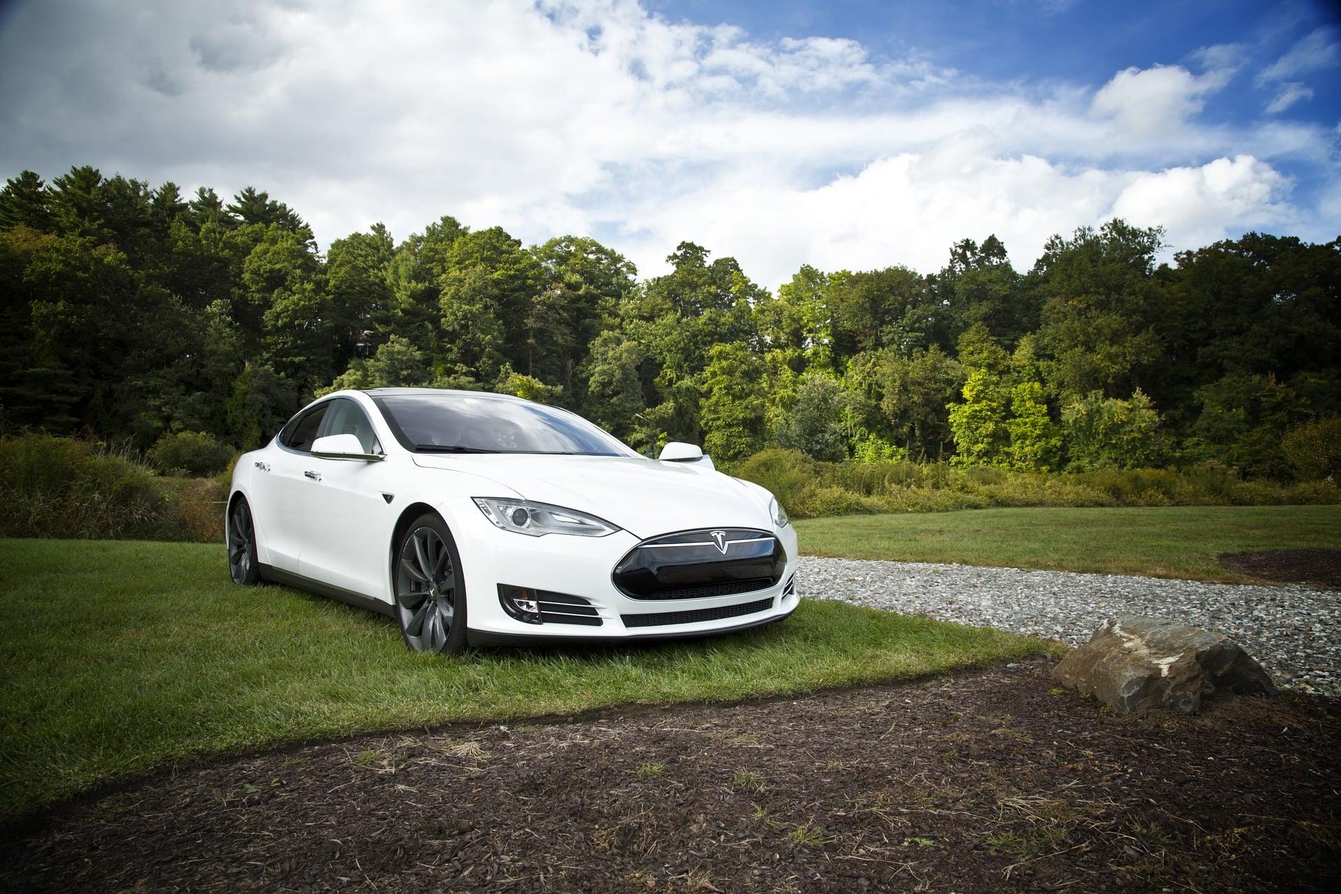 Samochody elektryczne na terenie Unii Europejskiej zaczną wydawać dźwięki