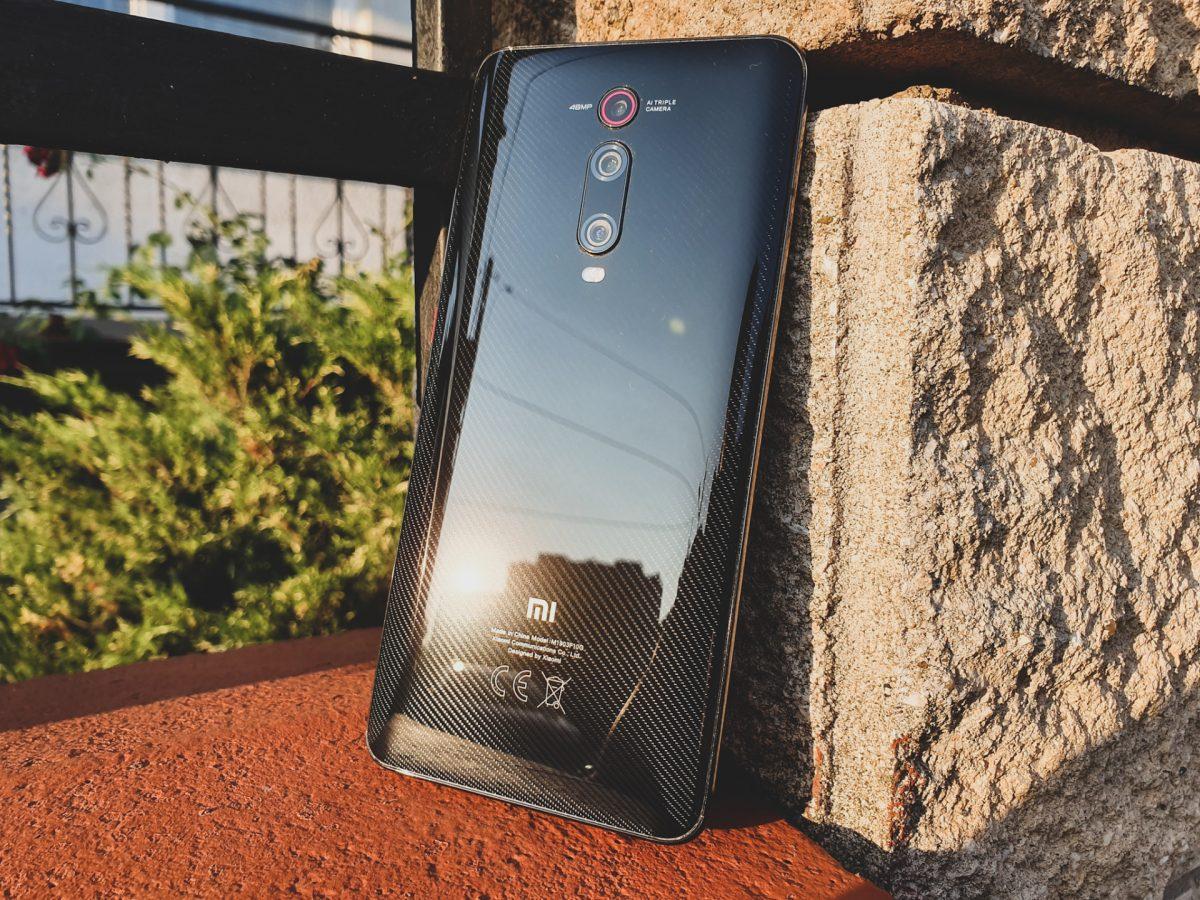 Jaki smartfon do 1500 złotych warto kupić? Wybór jest dość ograniczony 22