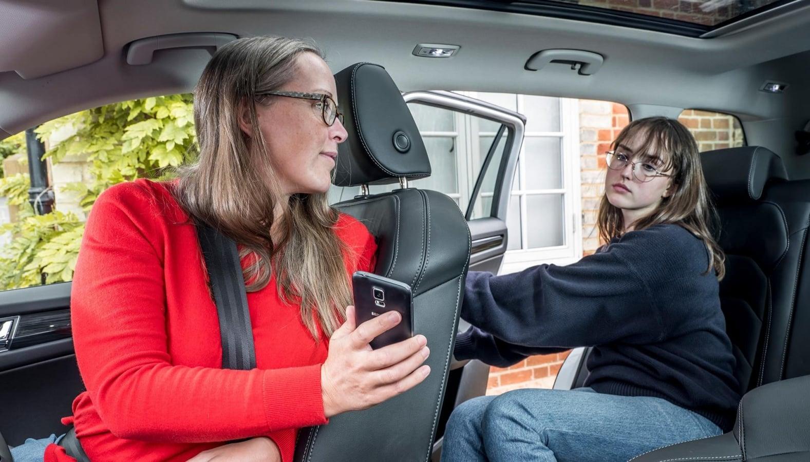 Aplikacja Skody pozwala rozliczyć dzieci z... podwożenia samochodem
