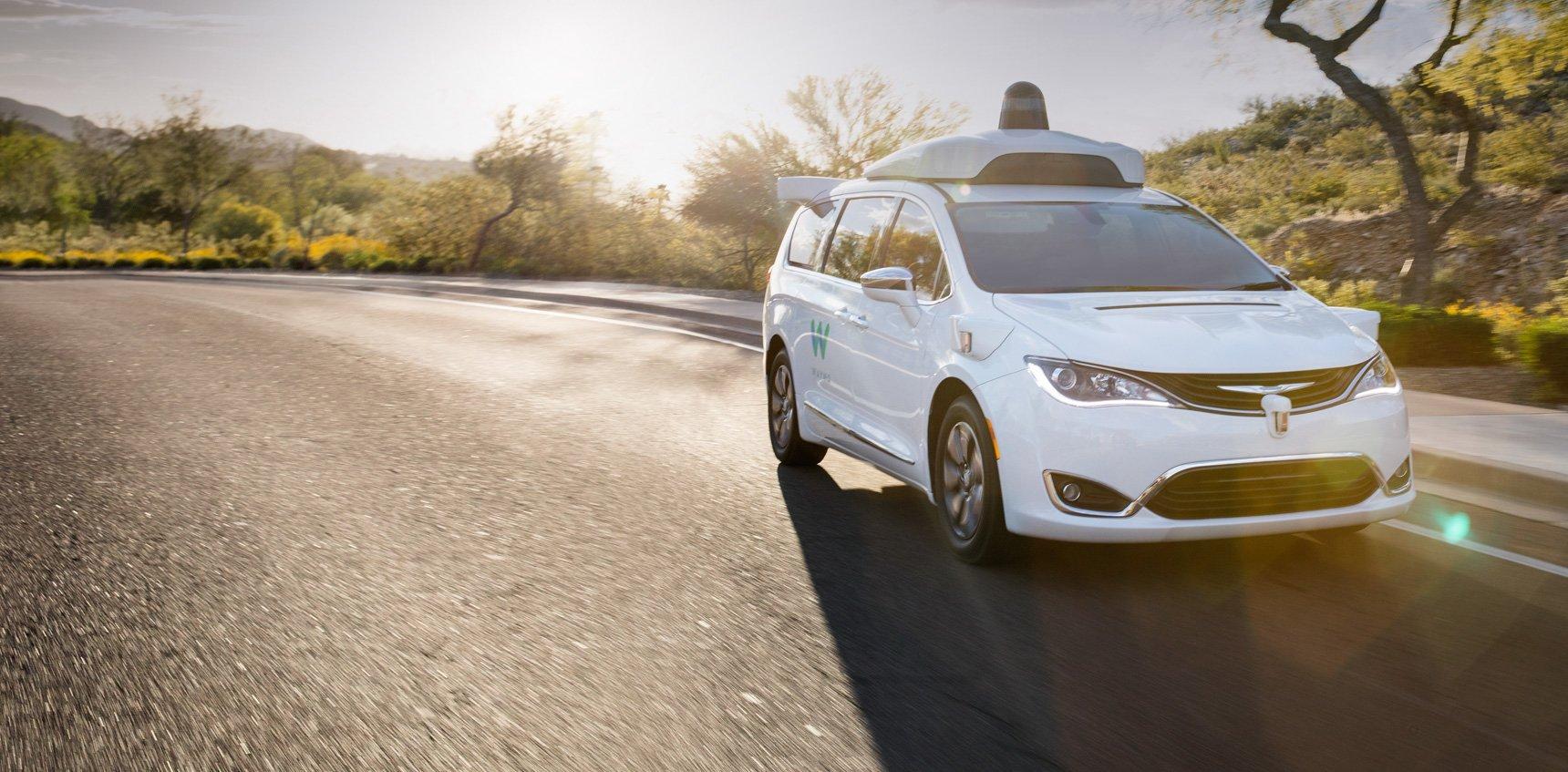 Autonomiczne taksówki Waymo z darmowym Wi-Fi. Trwają testy 21