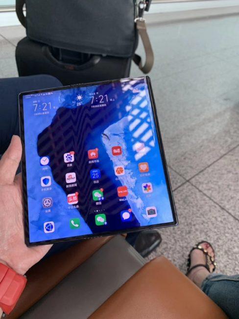 Huawei Mate X ma kolejne opóźnienie na koncie. A następca ma być jeszcze bardziej skomplikowany...