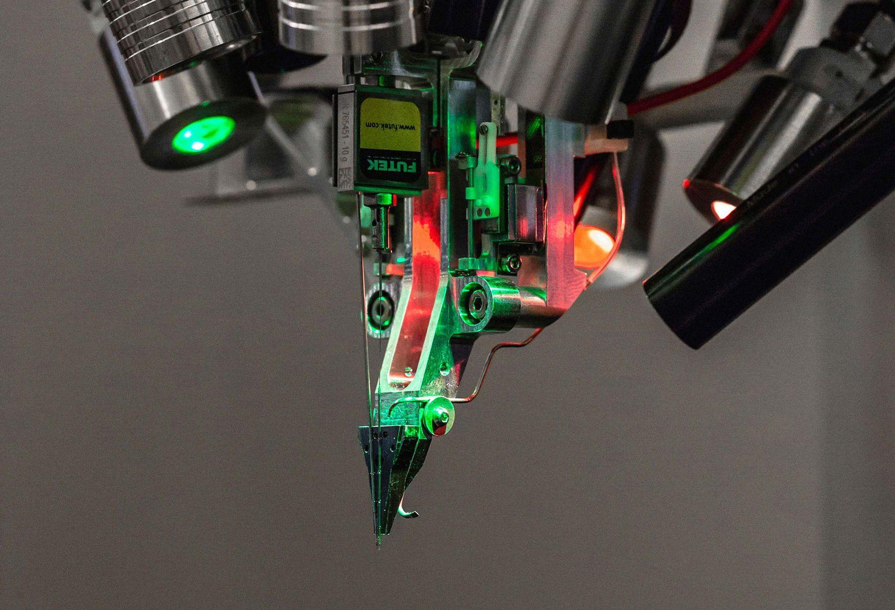 Jak zostać cyborgiem? Zainteresuj się wszczepami mózgowymi od Neuralink, firmy Elona Muska