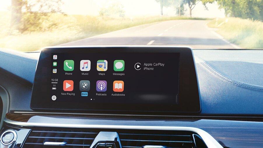 BMW wyjaśnia, dlaczego Apple CarPlay jest oferowane w płatnym abonamencie