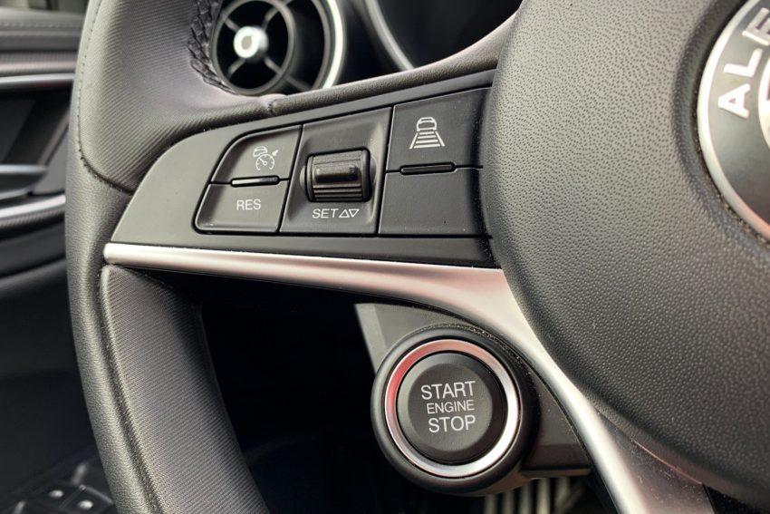 Alfa Romeo Giulia - sprawdziłem system infotainment w pięknej Włoszce
