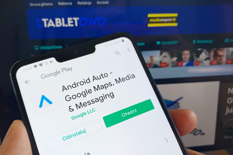 Google naprawiło błąd w Android Auto. Winna była… przeglądarka Chrome
