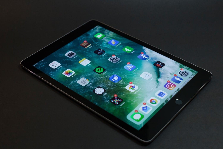 Nowe iPady Pro również mogą otrzymać wątpliwie atrakcyjną wysepkę 20