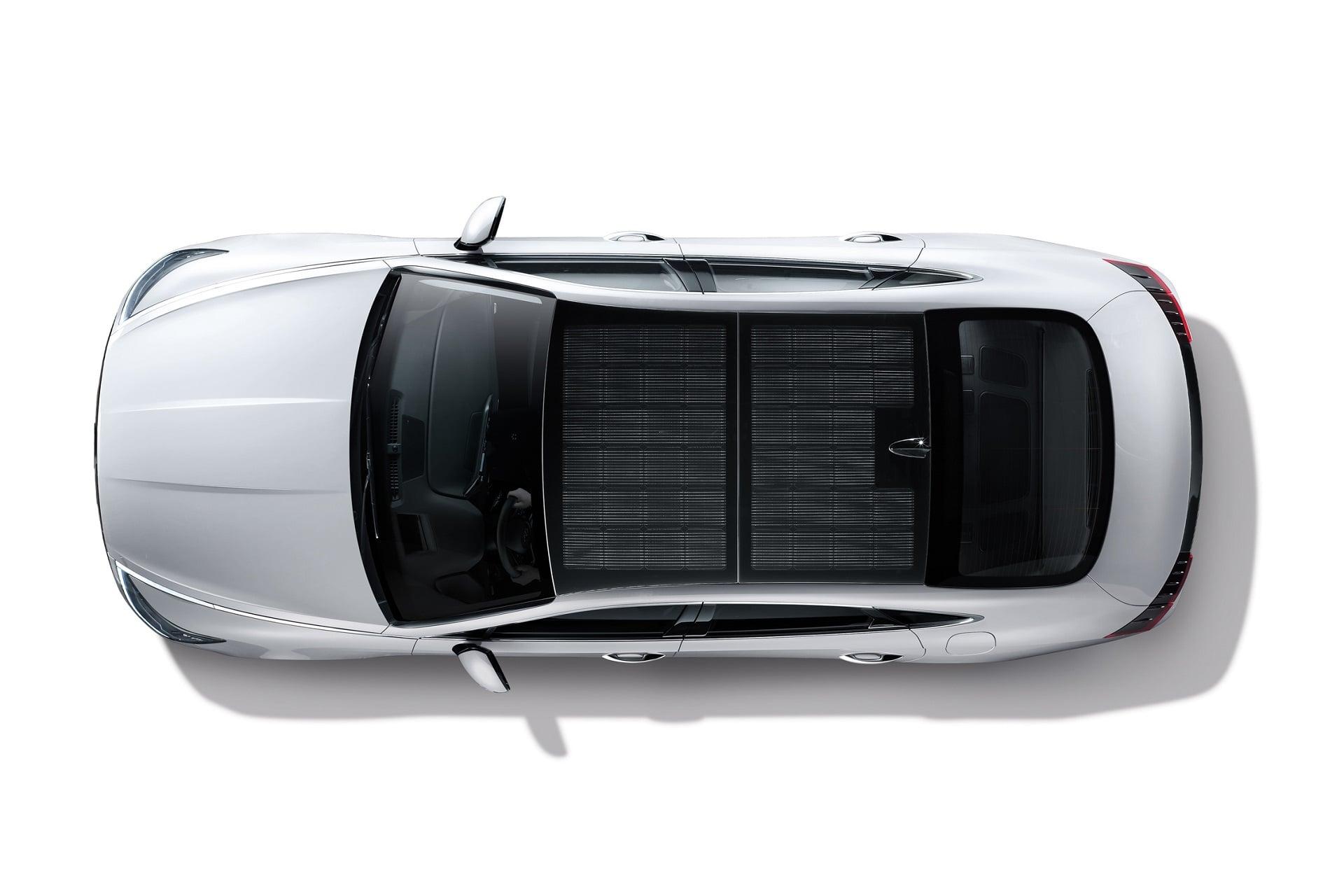 Hyundai Sonata Hybrid - pierwszy samochód z panelami solarnymi na dachu