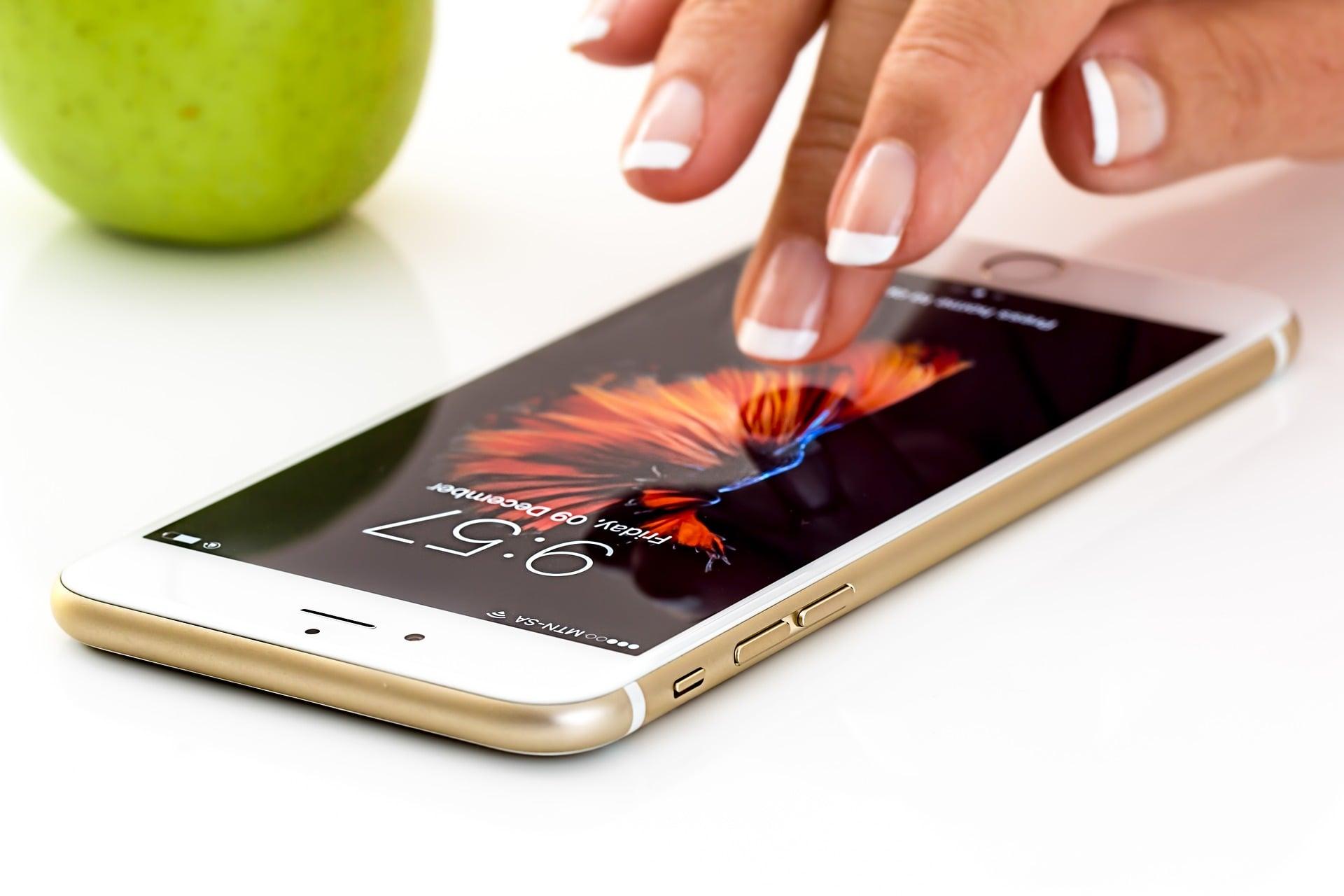 Apple wyjaśnia, dlaczego iPhone ostrzega przed nieoryginalnymi akumulatorami 23