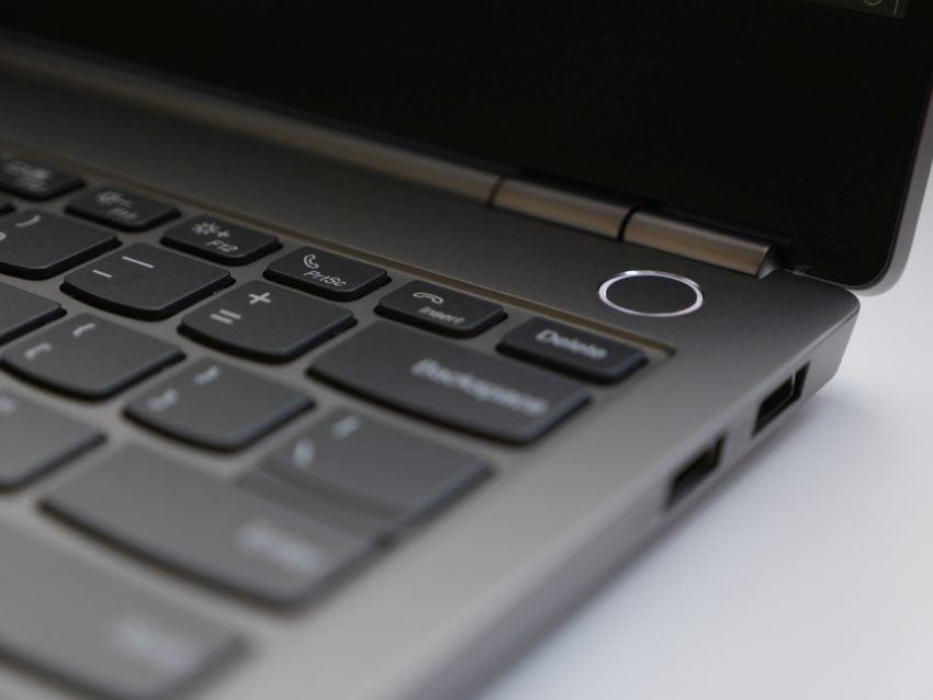 Recenzja ciekawego laptopa za niezłe pieniądze - Lenovo ThinkBook 13s 23