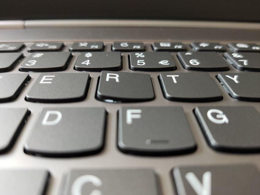 Recenzja ciekawego laptopa za niezłe pieniądze - Lenovo ThinkBook 13s 56